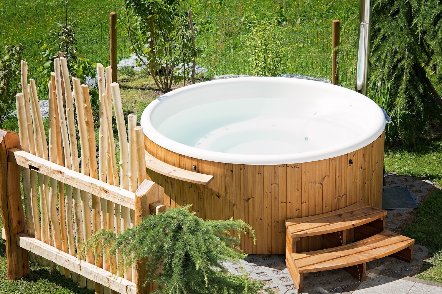 Thinking of getting a hot tub? Here\'s what you need to know ...
